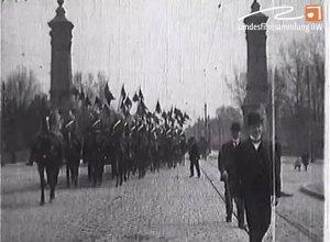Dragoner - Regiment König auf der König-Karls-Brücke