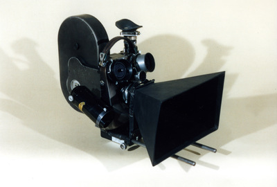 Cinepresa Cameflex da 35 mm. con accessori