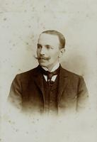 Portrait eines Mannes mit Schnurrbart