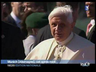 [Le pardon progressif du pape Benoit XVI aux intégristes français]