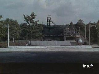 Au laboratoire secret de la fusée française - Envol des fusées téléguidées dans le désert