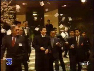 Le premier ministre chinois Zhu Rongji interpellé par des militants de RSF
