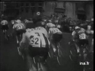 sprint décisif dans le peloton, Van Looy se détache, gagne l'étape, Anquetil gagne le Tour