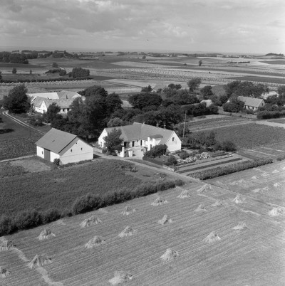 Henriksen, Johs., gårdejer - 1961 -