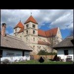 Ócsa, Árpád-kori református templom és a Skanzen házai