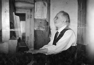 Carillonneur - Karel De Mette beiaardier te Aalst