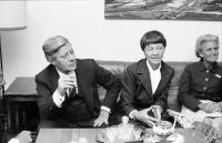 Freiburg: Rathaus, Empfang im Zimmer des Oberbürgermeisters mit Bundeskanzler Schmidt und Frau, Böhme