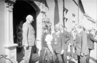 Freiburg: Begrüßung: Bundespräsident Scheel vor dem Rathaus
