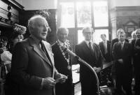 Freiburg: Gruppen beim Empfang im Rathaus mit Bundespräsident Scheel