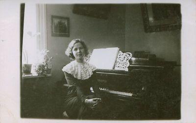 Fotonuotrauka. Rašytojos L. Didžiulienės-Žmonos vaikaitė