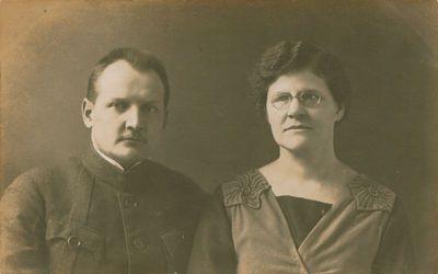 Fotografija. Literatas A. Didžiulis su žmona