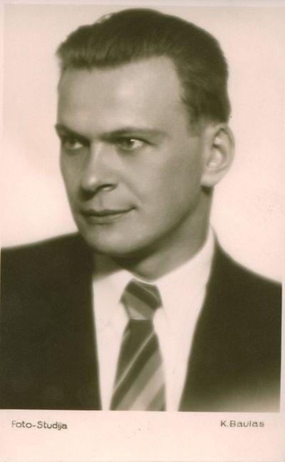 Nuotrauka. Poetas, aktorius K. Inčiūra