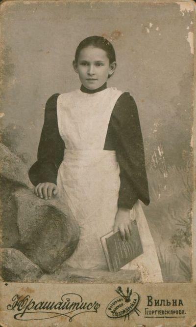 Nuotrauka. S. Ivanauskaitė (būsimoji rašytoja Lazdynų Pelėda)