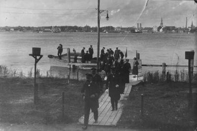 Klaipėda. Prancūzijos karo laivyno karininkai Smiltynėje
