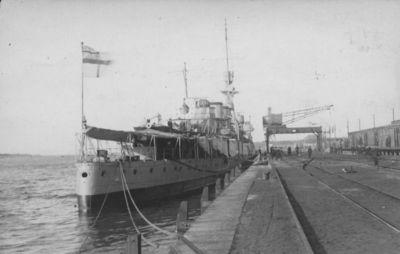 D. Britanijos karo laivas Klaipėdos uoste