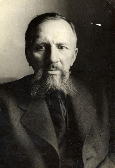 Rašytojo Liudo Giros portretas