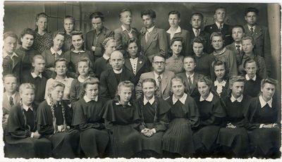 Anykščių gimnazijos šeštos klasės mokiniai