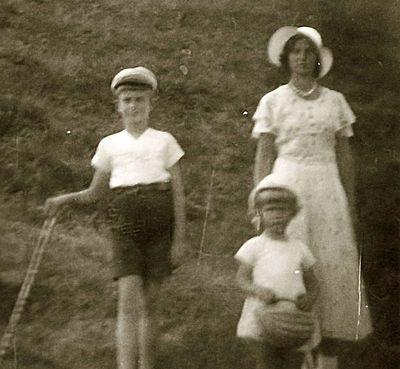 Rimgaudas, Kazė ir Vytis Vaitkai. Alytus, 1933 metai