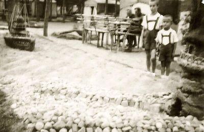 Rimgaudas ir Vytis Vaitkai Kėdainių poligone. 1938 metai
