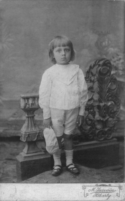 Portretinė berniuko fotografija