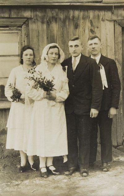 """Grupinė nuotrauka """"Prano Normanto ir Mortos Balsytės vestuvės Bajoralių kaime"""""""