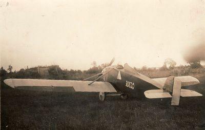 Pirmasis Antano Gustaičio sukonstruotas vienvietis mokomasis lėktuvas AMBO-I