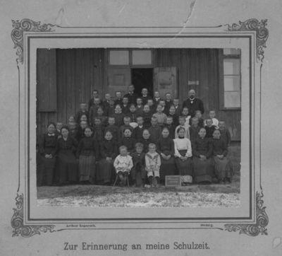 Šilutės apskrities Šyšos pradinės mokyklos mokytojai ir mokiniai