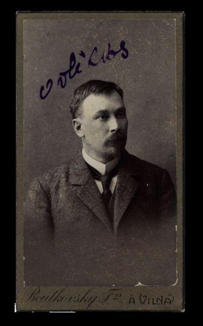 Vyro portretas su įrašu Volickas