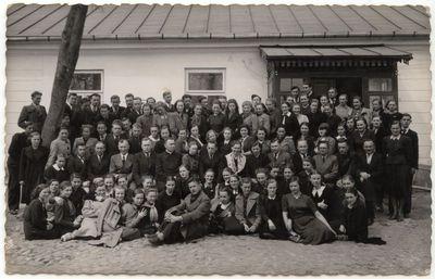 Marijampolės Rygiškių Jono gimnazijos mokytojai ir mokiniai. 1939 m.