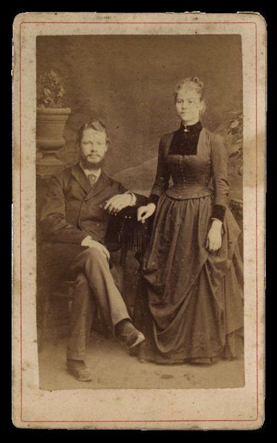 Vyro ir moters visu ūgiu portretas