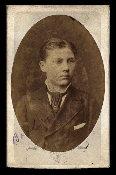 J. Germano portretas su įrašu Brolis