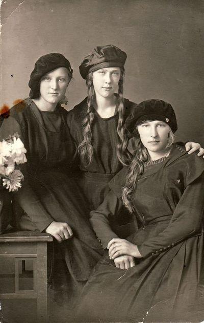 Aleksandra,  Felicija  Šilgalytės ir  Ona Žitkevičiūtė