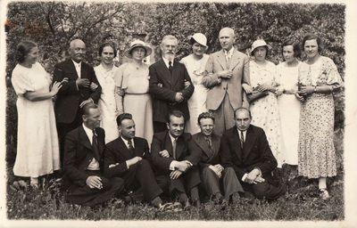 Panevėžio mokytojų seminarijos 1923 m. laidos absolventų ir dėstytojų susitikimo dalyviai