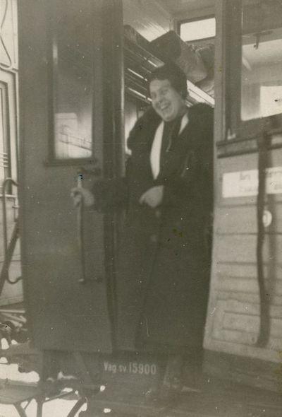 Moteris Kauno geležinkelio stotyje