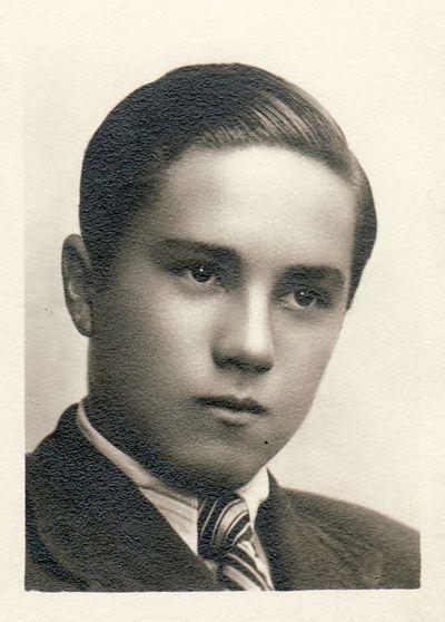 Panevėžio valstybinės gimnazijos gimnazisto Stasio Vilminsko portretas