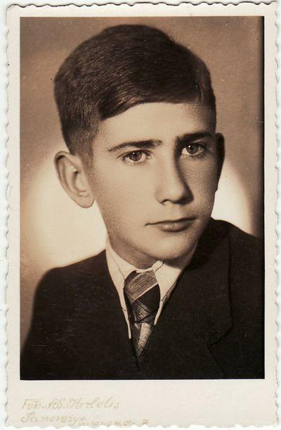 Panevėžio gimnazisto Henriko Lukoševičiaus portretas
