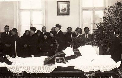 Julijono Lindės-Dobilo laidotuvės