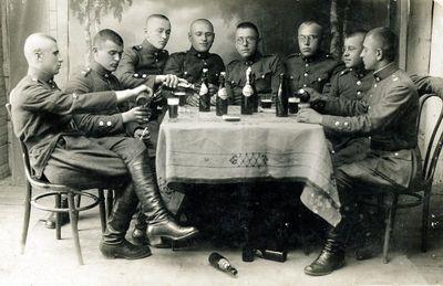 Lietuvos kariuomenės autokuopos kariai laisvalaikiu
