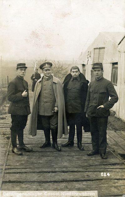 Gefangenenlager Cassel-Niederzwehren. Kaselio-Nydercvereno karo belaisvių stovykla Vokietijoje