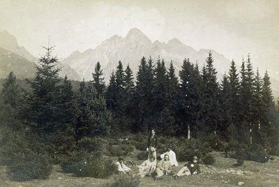 Karpatų kalnų Lomnicų viršukalnė nuo Grickocherio pusės