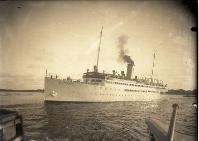 "Vokietijos keleivinis laivas ""PREUSSEN"" Klaipėdos uoste"