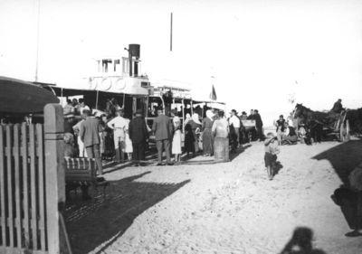 Keleivinis laivas Nidos prieplaukoje