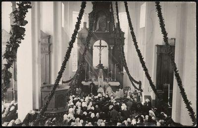 Papilės bažnyčios vidus