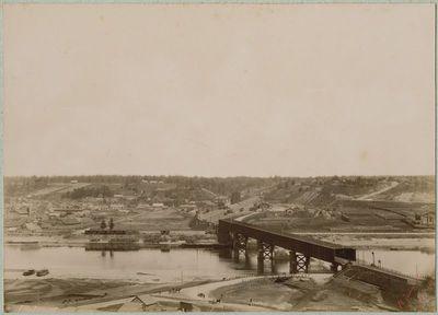 Kauno panorama aplink geležinkelio tiltą nuo Fredos pusės