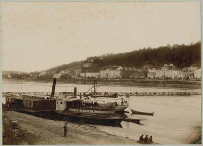 Nemuno laivų prieplauka Kaune, kitoje upės pusėje – Aleksotas
