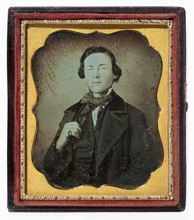 Nežinomo vyro portretas fotoateljė