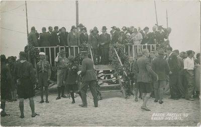 Lordas Robertas Baden-Pauelis su garbės svečiais skautų stovykloje
