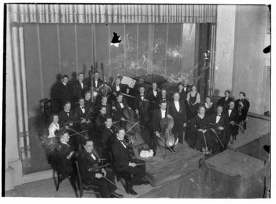 "Klaipėdos ""Collegium musicum"" draugijos orkestras, dirigentas Willy Ludewigsas"
