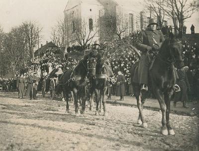 Nežinomo karininko laidotuvių procesija