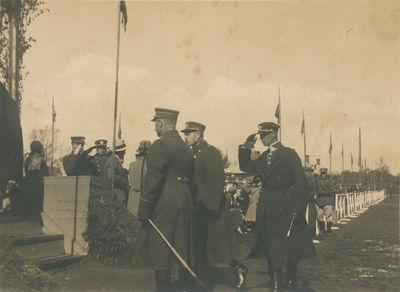 Karininkai kariniame parade